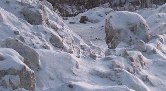 Нелегальную снежную свалку проверит прокуратура