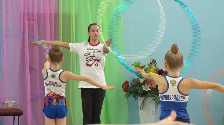 Анастасия Татарева провела мастер-класс для юных гимнасток