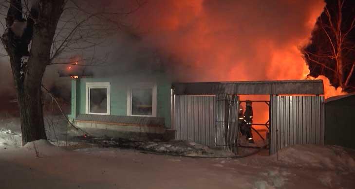 В результате пожара на улице Красноуфимской погибли два человека
