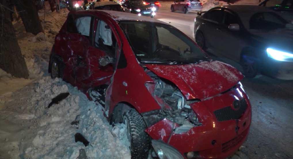 На улице Амундсена в ДТП пострадали три человека