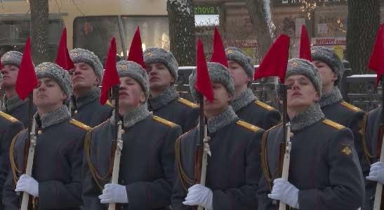 В Екатеринбурге возложили цветы к памятнику Георгия Жукова