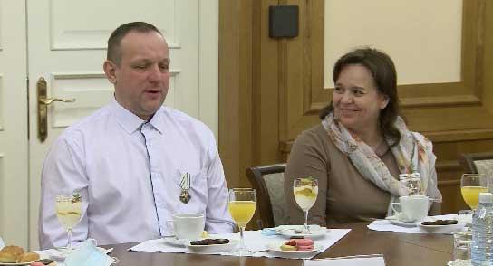 Многодетная семья из Екатеринбурга получила орден «Родительская слава»