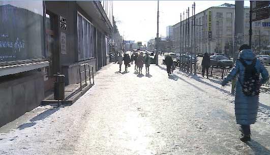 Улицы Екатеринбурга превратились в настоящий каток