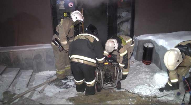 Утром в Екатеринбурге загорелось кафе