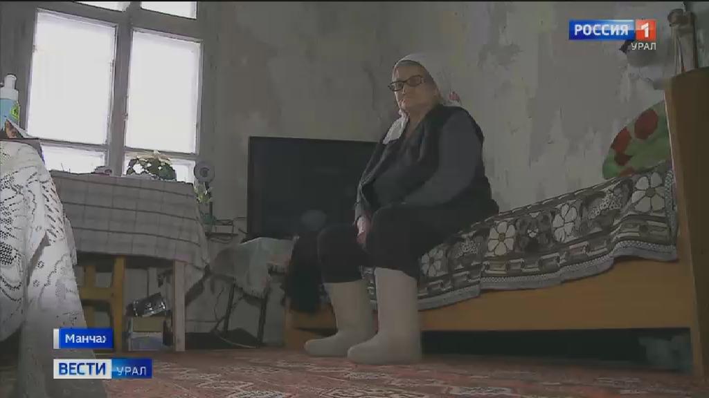 В селе Манчаж в аварийном доме проживают четыре семьи