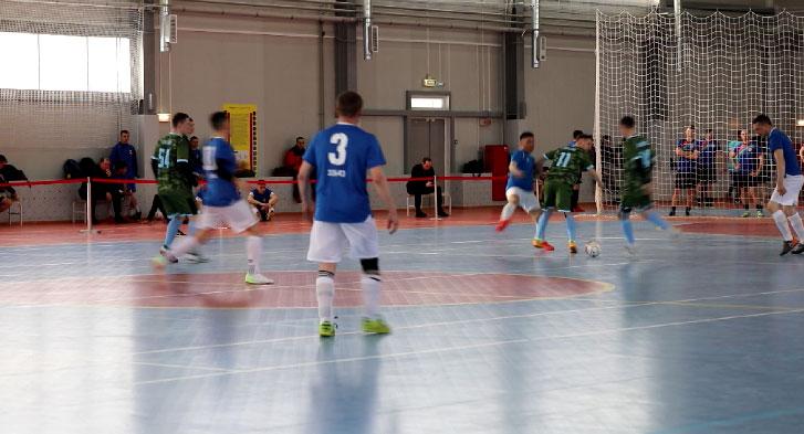 В Екатеринбурге выбирают лучших военных мини-футболистов