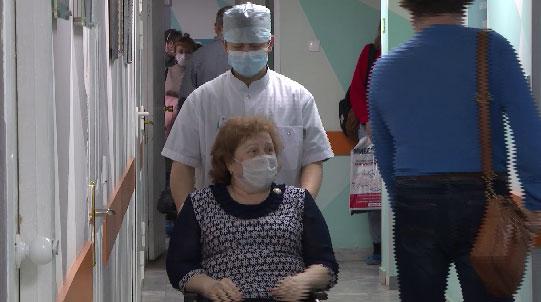 В онкоцентре заработала служба сопровождения маломобильных пациентов