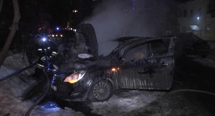 Ночью на улице Гастелло сгорели три автомобиля