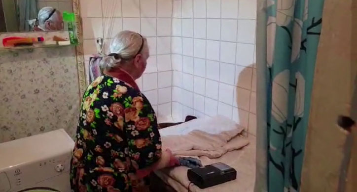 В Нижней Туре пенсионерка вынуждена жить в ванной