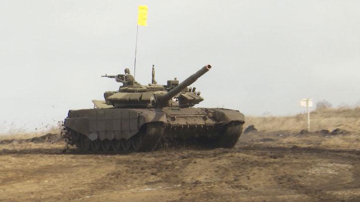 На Чебаркульском полигоне проходит отборочный этап ЦВО по танковому биатлону