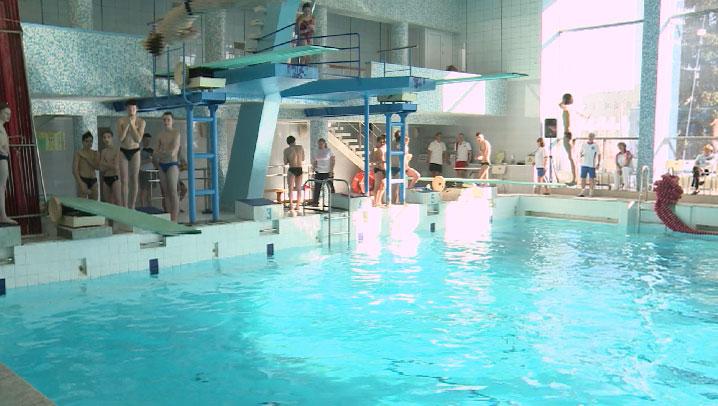 Юные пловцы собрались на первенство области по прыжкам в воду