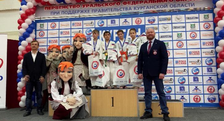 Первенство УрФО по дзюдо завершилось командными соревнованиями