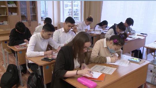 Юрий Биктуганов рассказал о правилах предстоящей аттестации школьников