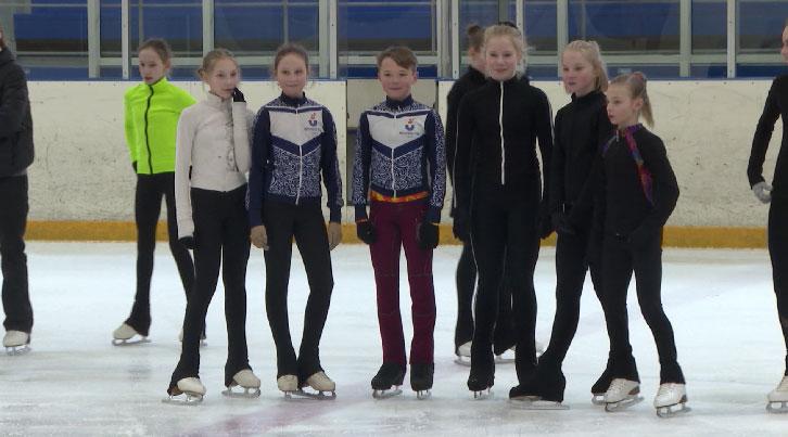 К Всероссийским соревнованиям готовятся уральские фигуристы
