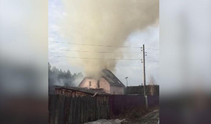 В Асбесте при тушении пожара погиб спасатель