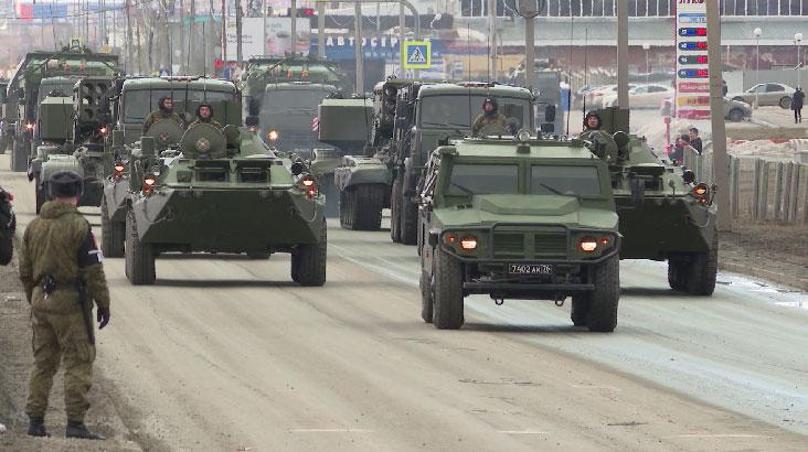 В Екатеринбурге провели первую механизированную репетицию Парада Победы