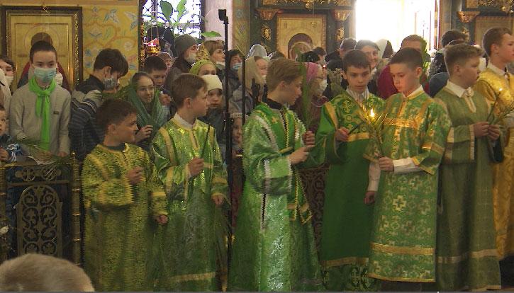 Вербное воскресенье отметили накануне православные христиане