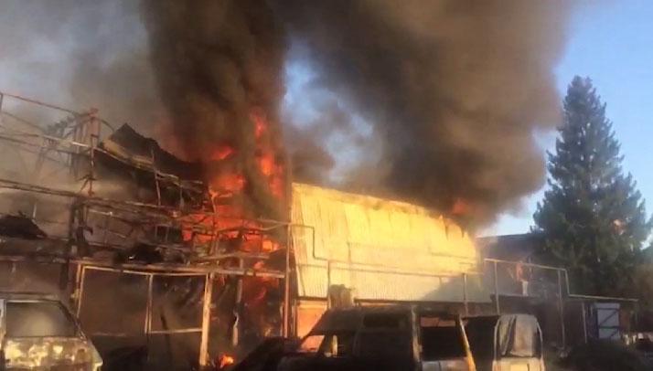 На Соболева сгорел частный жилой дом