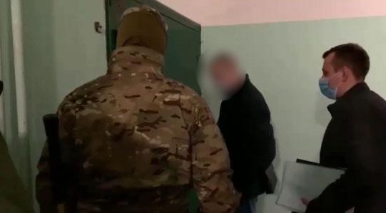 На Урале пресекли деятельность группы, незаконно легализовавшей мигрантов