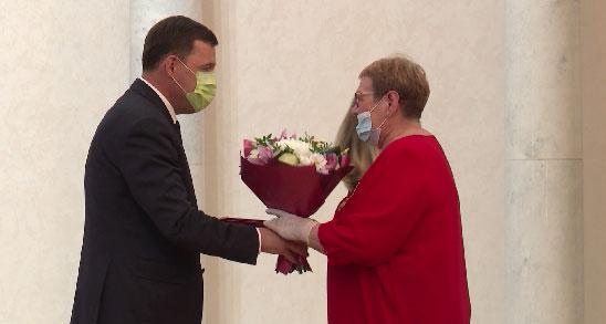 В Екатеринбурге вручили государственные награды врачам