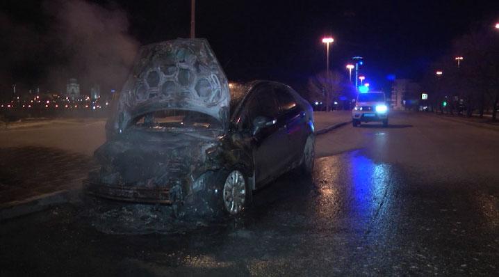 Ночью в центре Екатеринбурга сгорела машина