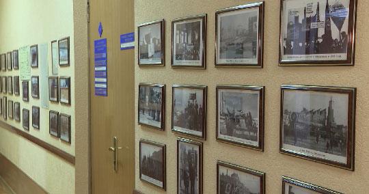 В Екатеринбурге открылась выставка, посвященная Дню весны и туда