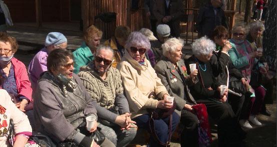 В Екатеринбурге организовали пикник и концерт для бывших узников концлагерей