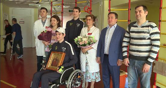 В Екатеринбурге выписан хоккеист, получивший серьёзную травму во время тренировки