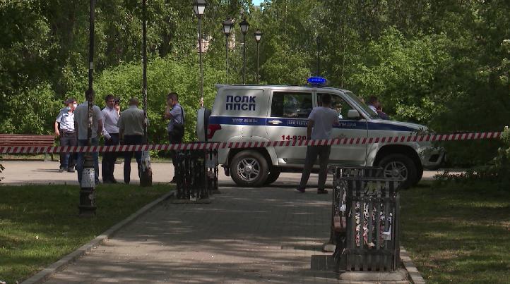 Два уголовных дела возбуждено по факту тройного убийства в сквере у вокзала