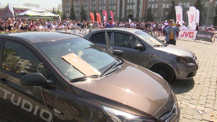 В столице Урала отметили фестиваль тюнинга и автозвука