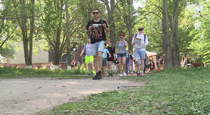 Тысячи екатеринбуржцев приняли участие в «Майской прогулке»