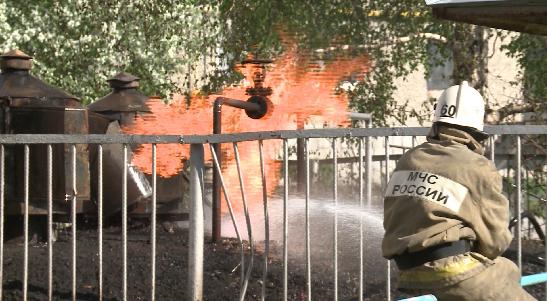 В Ирбите сегодня вспыхнул подземный резервуар с газом