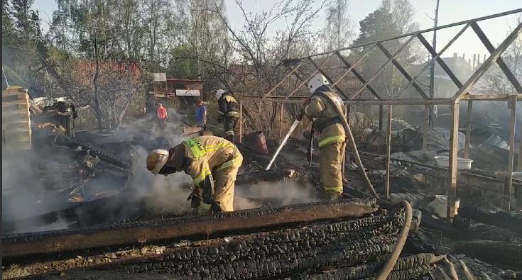 В Свердловской области не утихают пожары