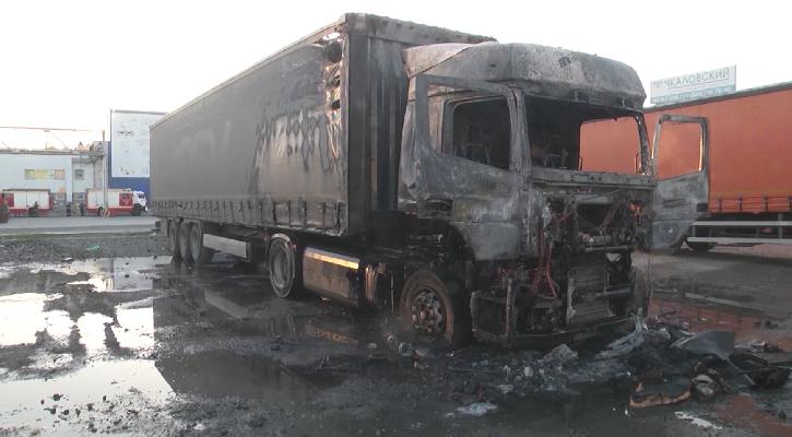 В Екатеринбурге в кабине грузовика взорвался автономный обогреватель