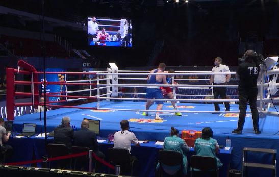 Сильнейшие боксеры страны борются за Кубок России