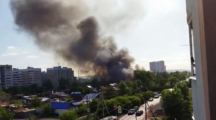Накануне на Татищева в частном секторе произошёл сильный пожар
