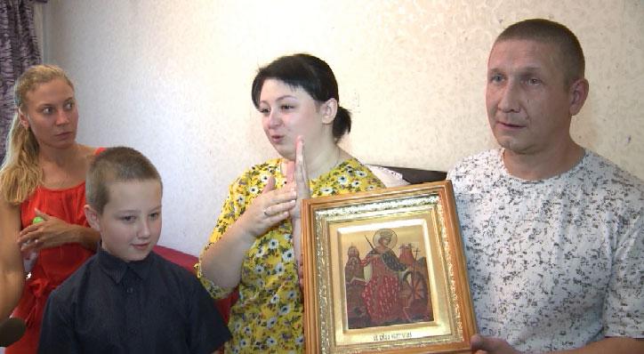 Благодаря благотворителям две семьи обрели новый дом