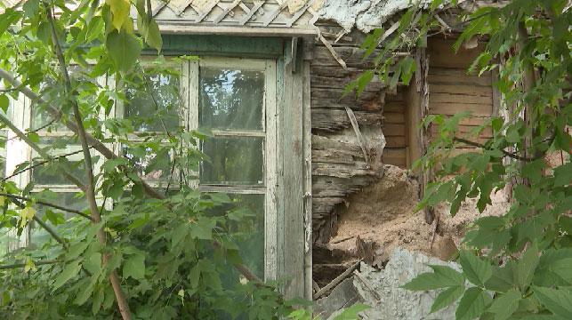 Стена многоквартирного дома рухнула в Тавде
