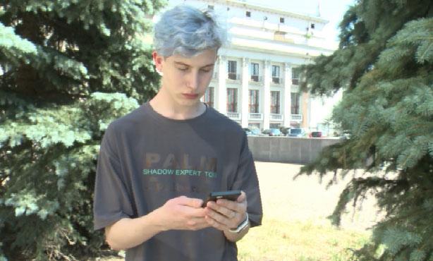Студент утверждает, что ему занизили оценку из-за цвета волос