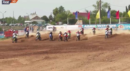 Соревнования по суперкроссу прошли в Каменске-Уральском