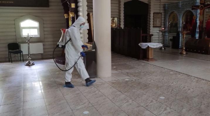 Специалисты ЦВО провели дезинфекцию храмов на Ганиной Яме