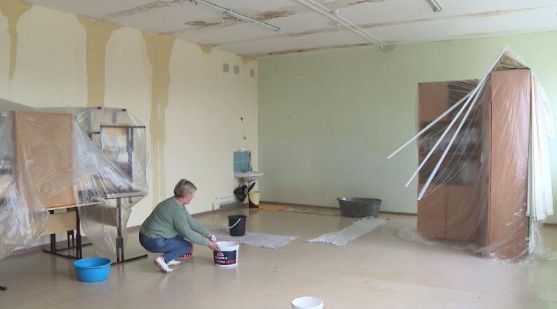 В посёлке Озёрный топит школу