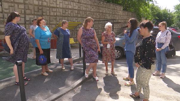Обходиться без лифта приходится жителям многоэтажного дома в Екатеринбурге