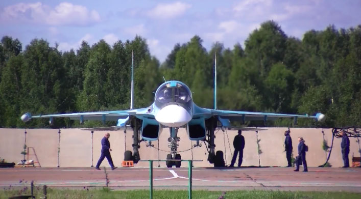Молодые лётчики ЦВО выполнили первые полёты на СУ-34