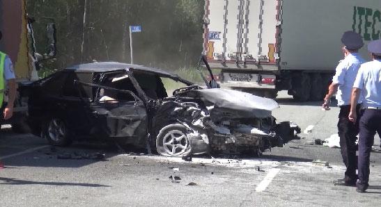На трассе Екатеринбург-Пермь в ДТП погибли три человека