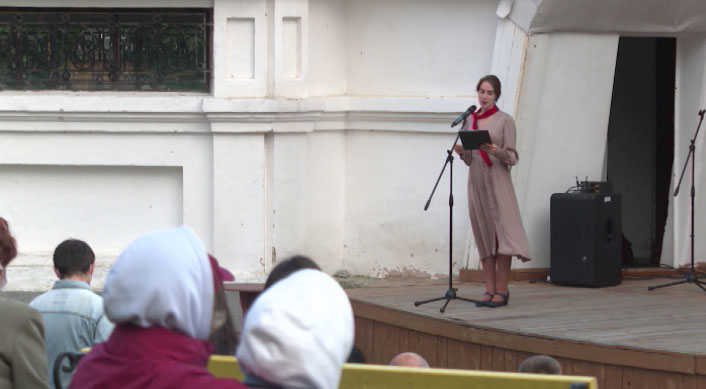 «Здесь жил МХАТ»: екатеринбуржцам рассказали о жизни актеров в военном Свердловске