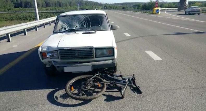 На Кольцовском тракте в ДТП пострадал велосипедист