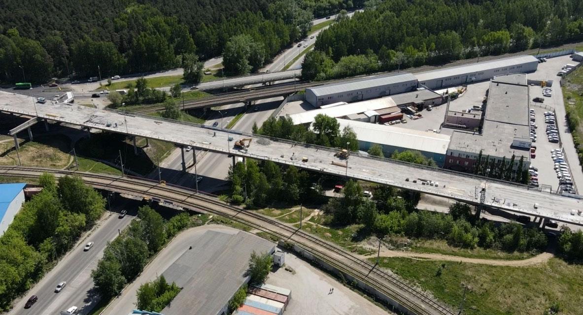 Блюхеровский мост открыт