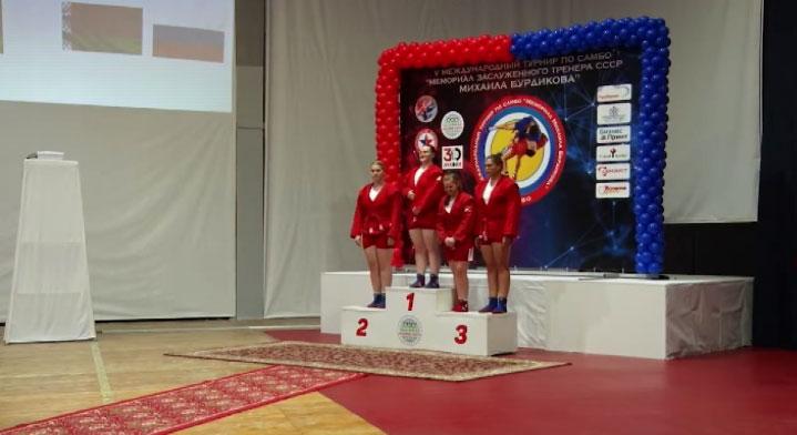 На турнире – мемориале Михаила Бурдикова свердловские самбисты завоевали 17 наград