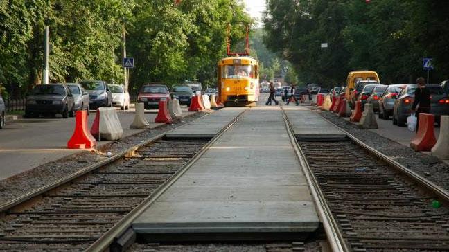 На три дня закроют движение трамваев по улице Челюскинцев